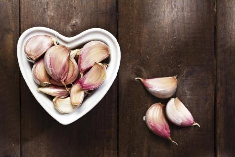 garlic-in-heart-shaped-bowl